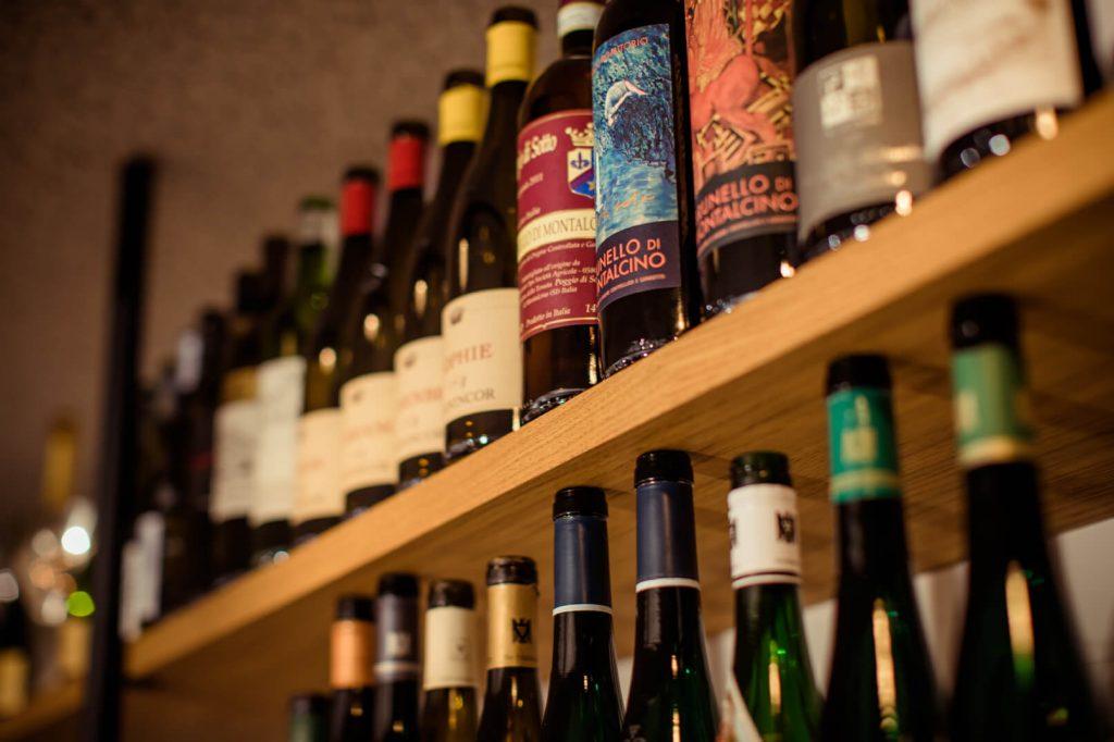 Presentatie flessen wijn
